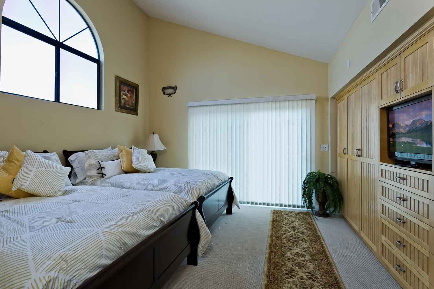5427 Reef Way Oxnard CA 93035-large-010-Master Bedroom-1500x1000-72dpi