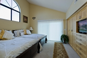 5427 Reef Way Oxnard CA 93035-large-010-Master Bedroom-1500x1000-72dpi